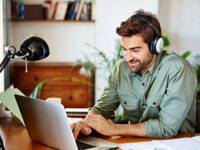 Scaling Your Call Center with Confidence: 3 Best Practices for Managing Remote Agents